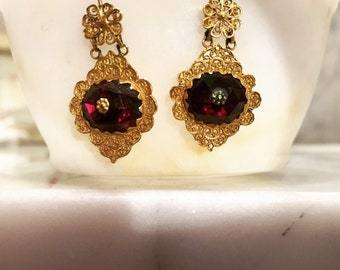 Antique 22ct gold and garnet earrings