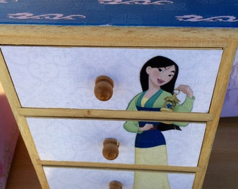 Mulan jewelry chest