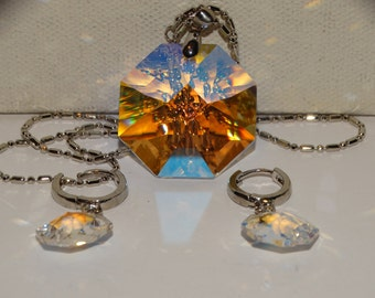 """18k G.P. RARE Aurora Borealis Large Faceted Glass 16"""" Necklace & Earrings."""
