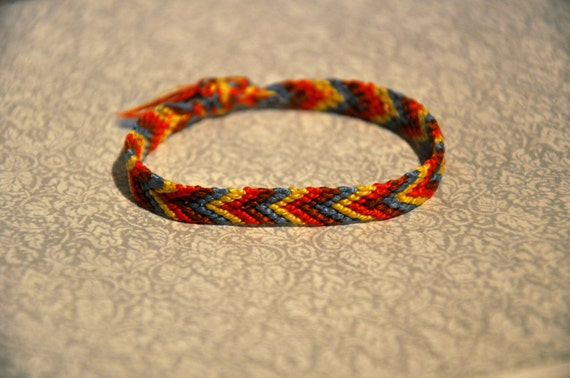 friendship bracelet with arrow pattern by meysgeekyaccessories