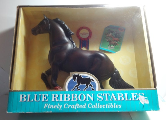 Vintage Blue Ribbon Stables Thoroughbred Toy Horse Blue-Box Toys Mint In Box