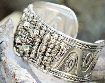 Bohemian Peeble Silver Cuff Bracelet
