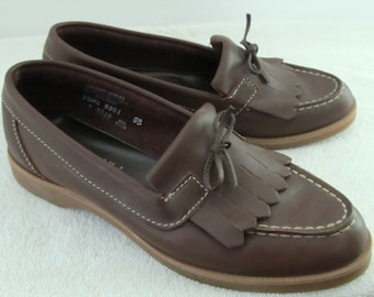 Marked Down 30%@@Women's,Vintage 80's Cute & PREPPY Brown Loafers with Fringe By PINWHEELS.7.5