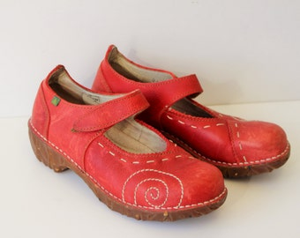 Red Mary Janes  / ELNATURALISTA  Mary Jane Shoes / Red Leather Dolly Shoes / Red platform Womens Pumps Size  Us 8 , Eur 38 , UK 5
