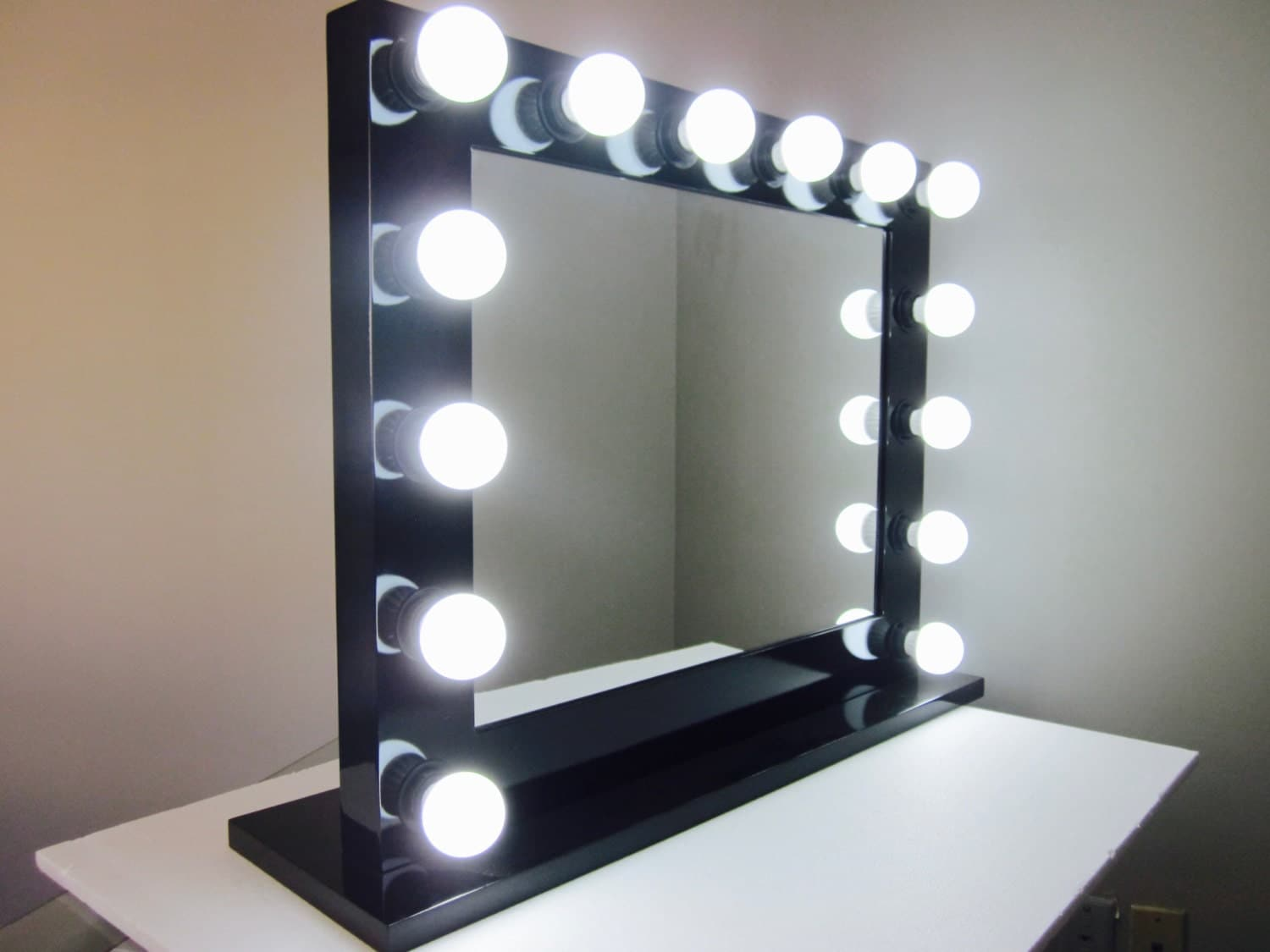 grand hollywood lighted vanity mirror w dimmer by impactvanity. Black Bedroom Furniture Sets. Home Design Ideas