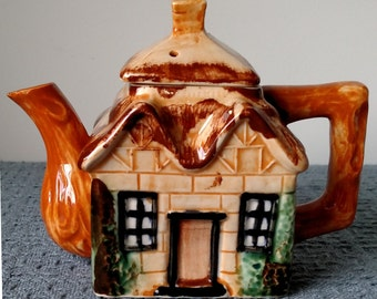 Vintage Cottage Ware ~ Thatched Cottage TEAPOT with LID ~ 6-1/2 inches high