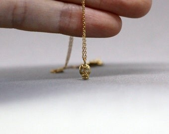 Skull necklace, mini skull necklace, tiny skull necklace, dainty pendant, delicate necklace, everyday necklace, gold skull necklace