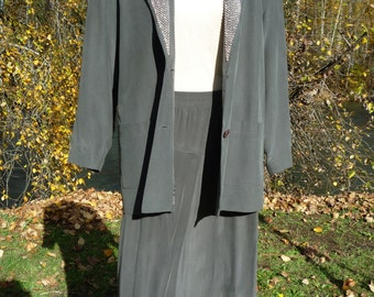 Take 20% off ! Gray Silk Skirt Suit, by I.B.DIFUSION , Chrome Beaded Lapels, Size U.S.A.,Canada 8, U.K.12, Germany 38, Italy 42, France 38