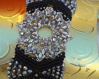 Micromacrame bracelet, black macrame bracelet, black bracelet, beaded bracelet, macrame jewelry