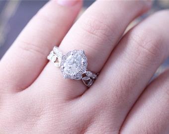 2PCS Forever Brilliant  Moissanite Ring 6x8mm Oval Cut Moissanite Ring 14K White Gold Moissanite Engagement Ring Diamond Wedding Ring Set