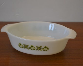 Vintage Fire King / Anchor Hocking 433 casserole
