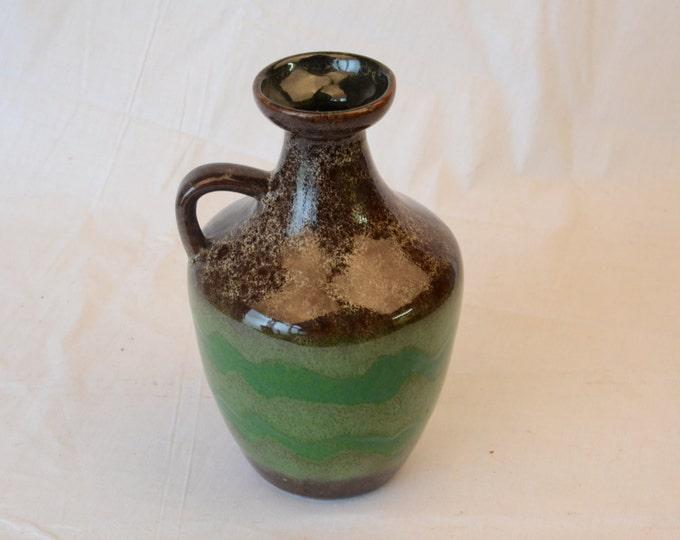 Strehla Vase, marked nr 1304