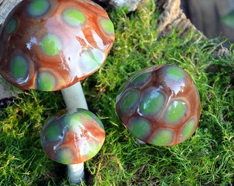 Ceramic Mushroom, Pot Decoration, Brown and Green-Turtle Time, Clay Stake, Pottery, Garden Decoration