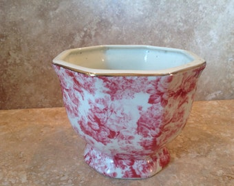 Valentine gift idea! Pink toile planter