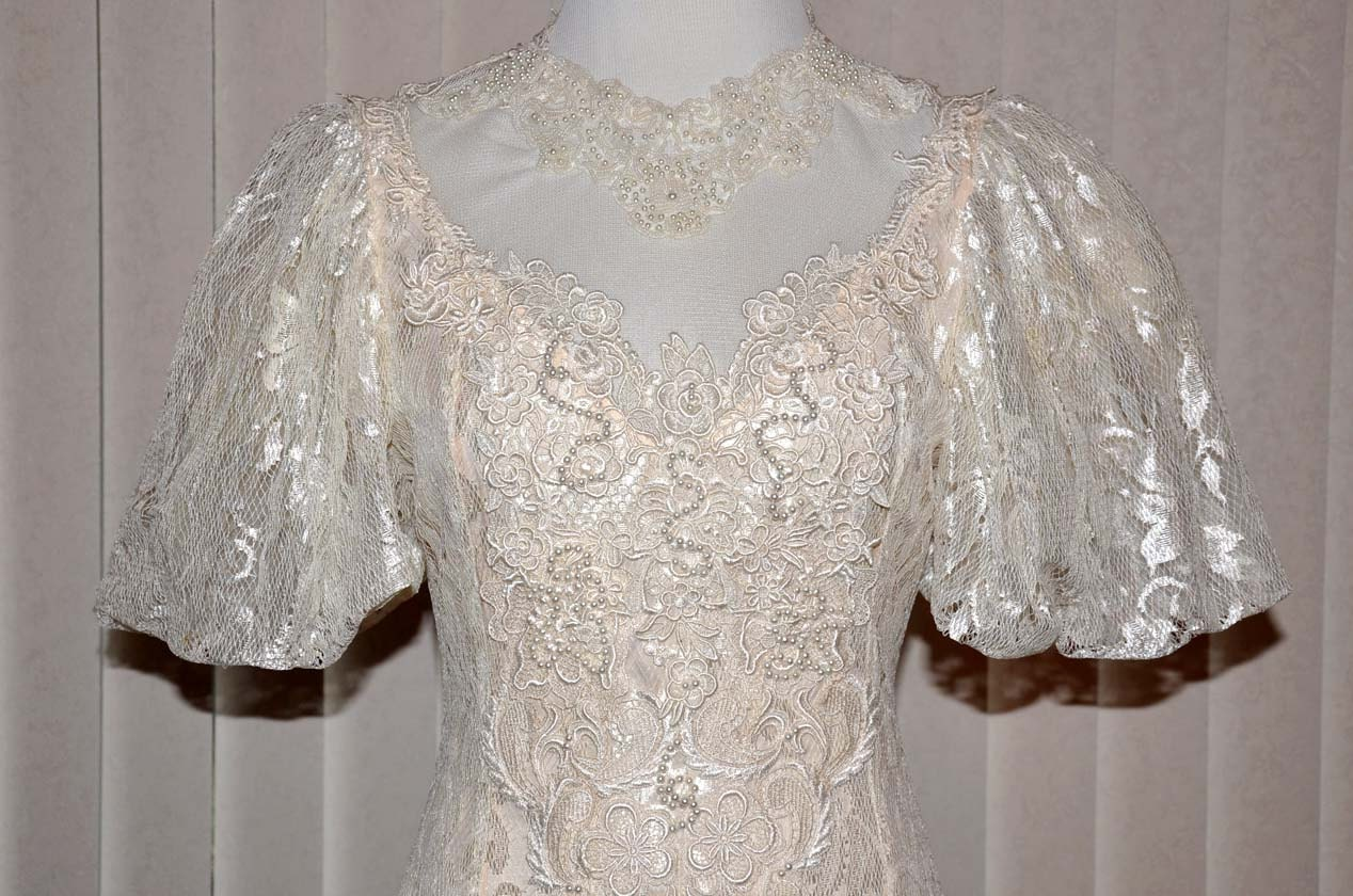 Vintage lace wedding gown ivory lace wedding dress victorian for Ivory lace wedding dresses vintage