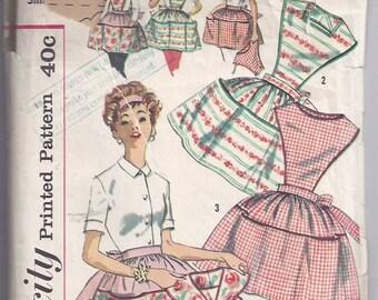 Misses' and  Women's Apron with detachable bib/ Patron de tablier pour femme avec haut détachable - 1950
