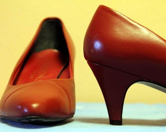 1960s Red Cross Shoes Red Leather Kitten Heels, Size 7
