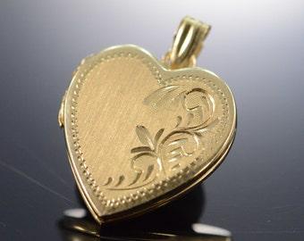 14K Engraveable Photo Locket Heart Pendant Yellow Gold - EM198