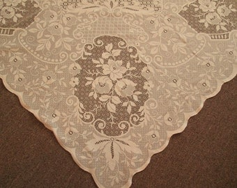 Beautiful Elegant Cream/Beige Lace Tablecloth