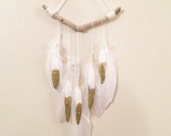 Feather garland wall art decor