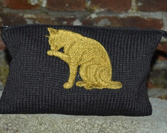 Kit with machine embroidered Golden Cat