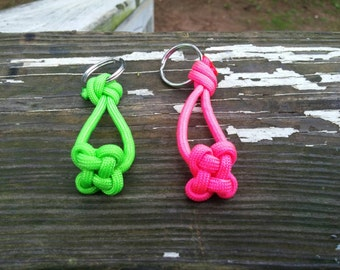 Four leaf clover key chain, paracord clover, lucky charm