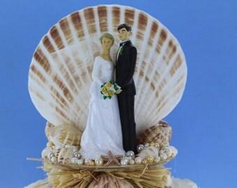 Bride & Groom Beach Theme Wedding Cake Topper / Destination Wedding / Shell Cake top