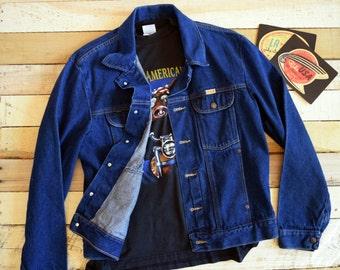Vintage Men's Large <> RUSTLER by Wrangler Indigo Blue Denim Trucker Jacket <> Jean Jacket