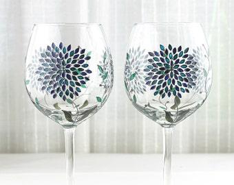 Wine Glasses with Hydrangea Design, Wedding Glasses, Hand Painted Glasses with Swarovski  Crystals, Wine Goblets, Set of 2