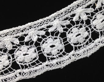Off-White String Lace, cotton, vintage, floral, looks hand made, 4 inches wide, 2 lots of 2.5 yds each.