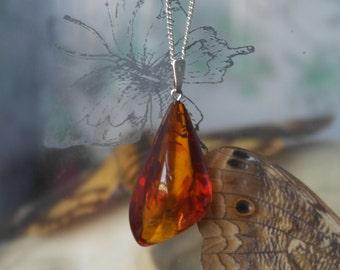 Vintage Solid sterling Silver Amber teardrop necklace