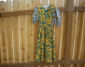 Sun flower cape dress,  size youth 12-14