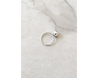 SILVER BALL RING //