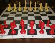 """Genuine Bakelite Chess Set, Rare and Collectible E.S.Lowe Creation, Large Size 94 mm, 3-3/4"""" Kings, 32 Threaded Pieces, Cherry Red and Ivory"""