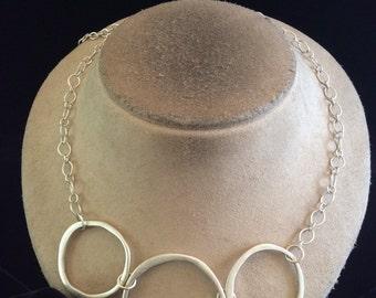 Vintage Silvertone Triple Circle Pendant Necklace