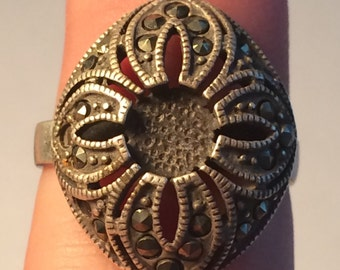 Marcasite and Sterling Silver 925 Ring 5.2g 9316