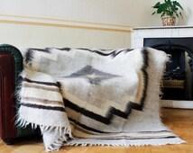wool blanket, light gray throw blanket, big bed cover, warm blanket, sheep plaid, white sheep wool blanket, handmade blanket Three Snails