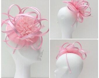 Pink fascinator, baby pink fascinator, baby pink headpiece,pink fascinator, pink headpiece,mother of bride facinator,bridal wear.