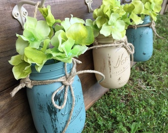 NEW! Farmhouse Decor | Hook-Mounted Mason Jars