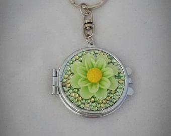 Green flower small circle mirror keyring
