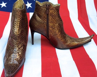 vintage, high fashion, witchy boots, size 8