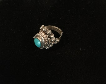 Vintage POISON RING Taxco signed Jesus Turquoise STERLING 3 Eagle marked