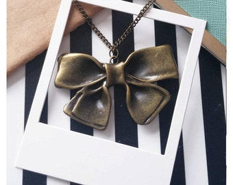 Antique Bronze Style Bow Necklace