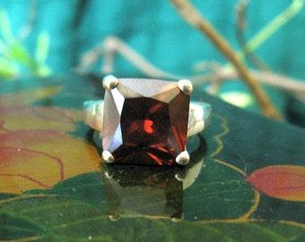 Brown stone set ring
