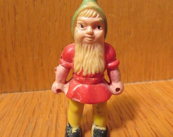 This tiny gnome means business