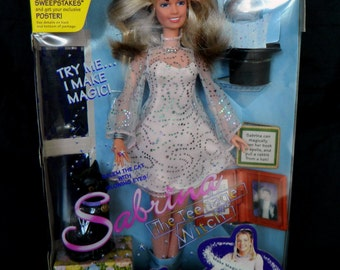 """Sabrina the Teenage Witch """"Try Me I Make Magic"""" Doll with Salem the Cat"""