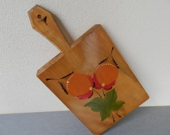 Vintage Cutting Board / Pretty Painted Wooden Bread Board / Serving Board / Handmade And Hand Painted Serving Board / Cheese Board .