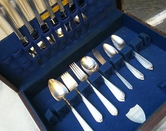 Silverplate, Heirloom plate,  Oneida, Longchamps, Chaumont, flatware,