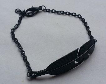 Bracelet feather black