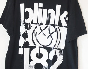 Blink 182 Official Licensed t-shirts Medium blink182